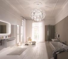 Ceramika i białe meble łazienkowe do luksusowej łazienki Keramag Design