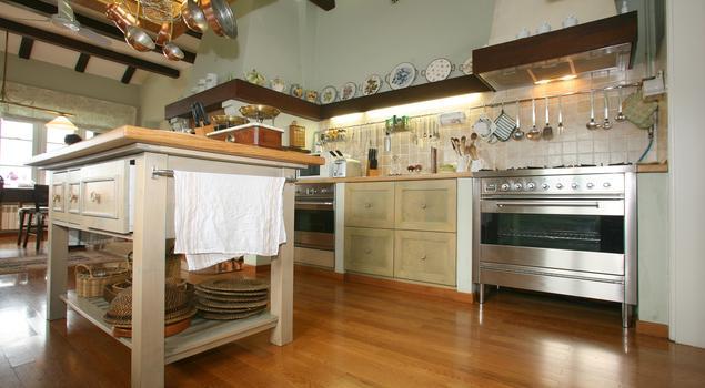 Kuchnia w stylu rustykalnym Kuchnia z wyspą  -> Kuchnia Rustykalna Z Wyspą
